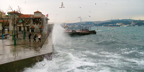 A storm in Istanbul